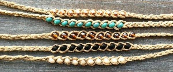 Плетение из ниток и бусин