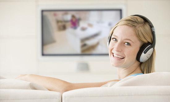 Фото: беспроводные наушники для телевизора