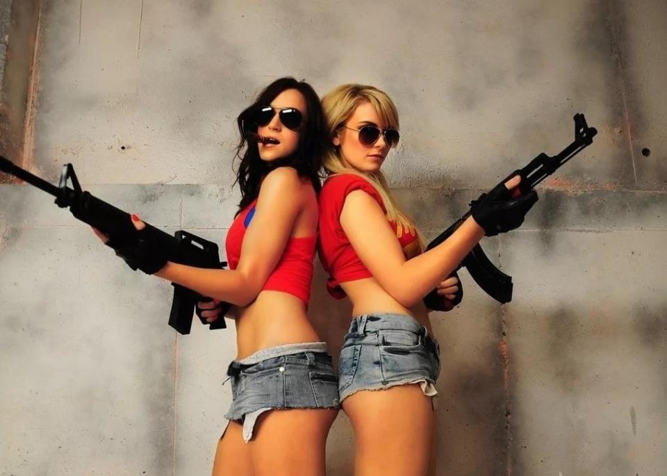 девушка с оружием35