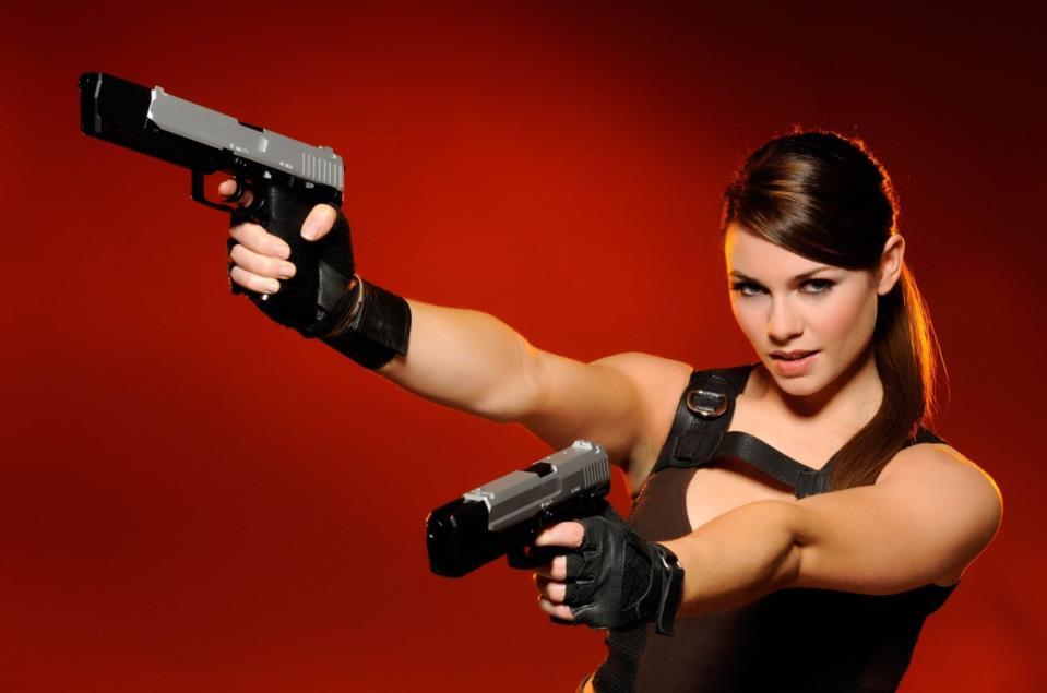девушка с оружием46