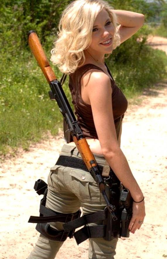 девушка с оружием22