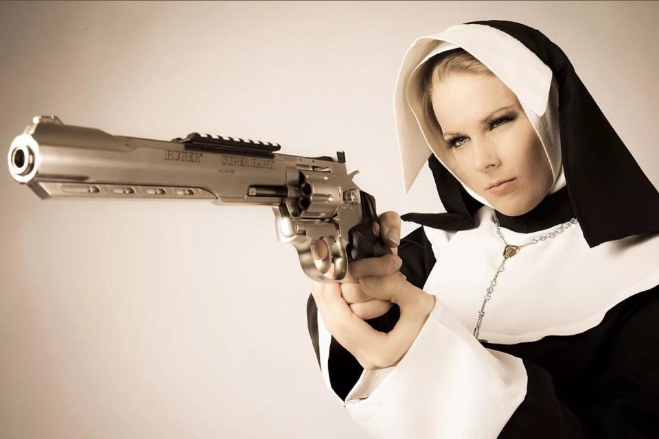девушка с оружием58