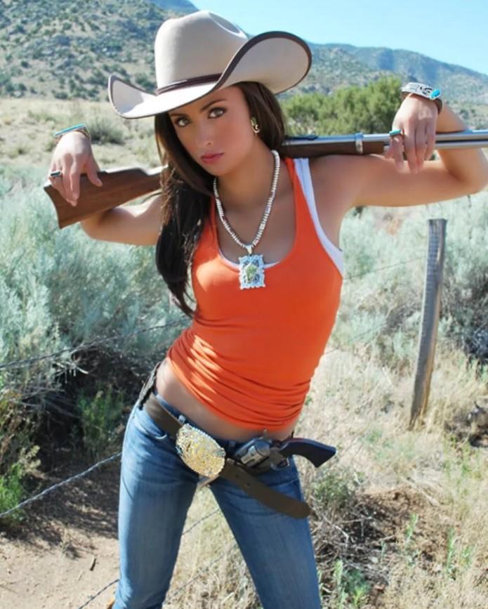 девушка с оружием59