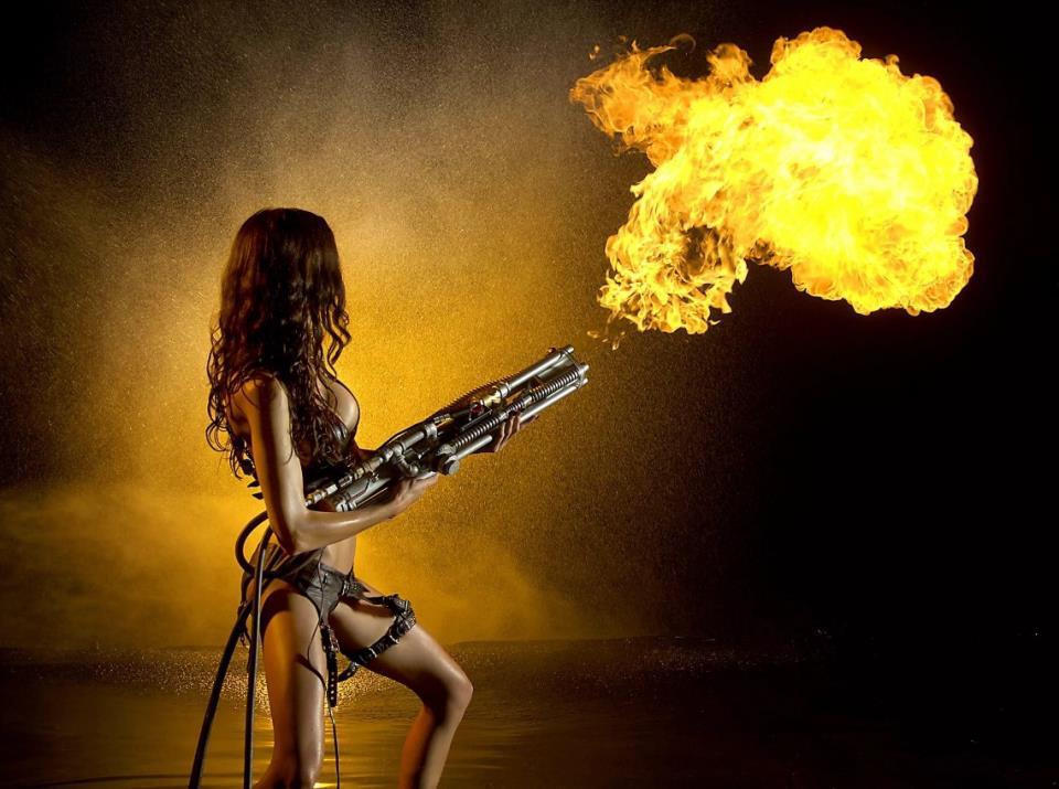 девушка с оружием1