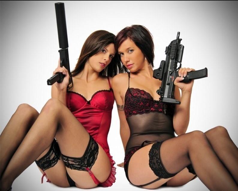 девушка с оружием34