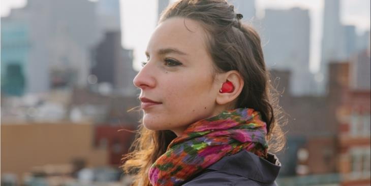 Наушник-переводчик Pilot от Waverly Labs позволит понимать сказанные на большинстве языков слова и фразы
