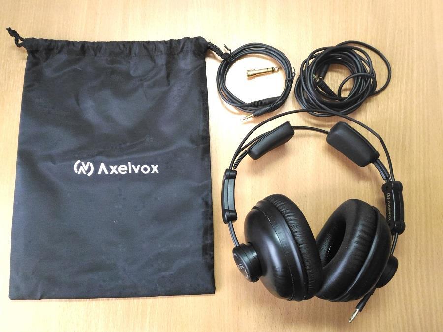 Полупрофессиональные недорогие наушники с длинным проводом Axelvox HD272