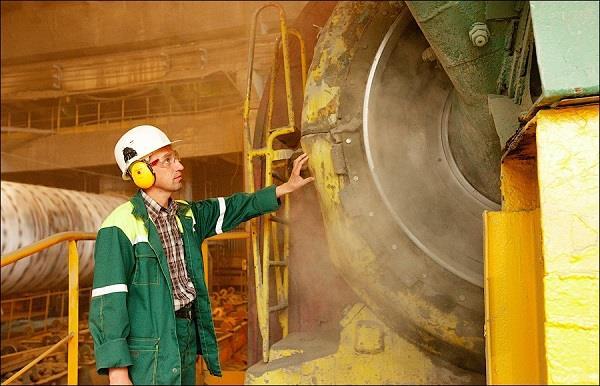 Согласно технике безопасности, на многих участках производства с высоким уровнем шума находиться без противошумных наушников просто запрещено