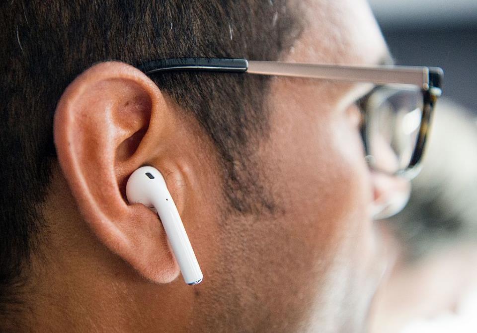 Использование Apple AirPods