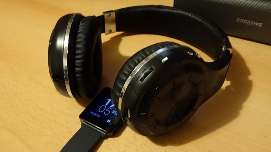 Bluetooth наушники и умные часы