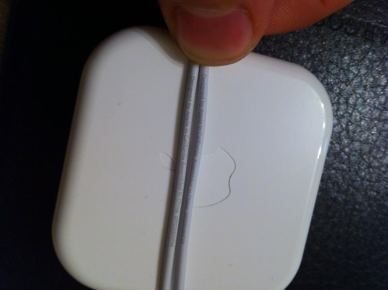 Разница между оригинальным кабелем EarPods и поддельным