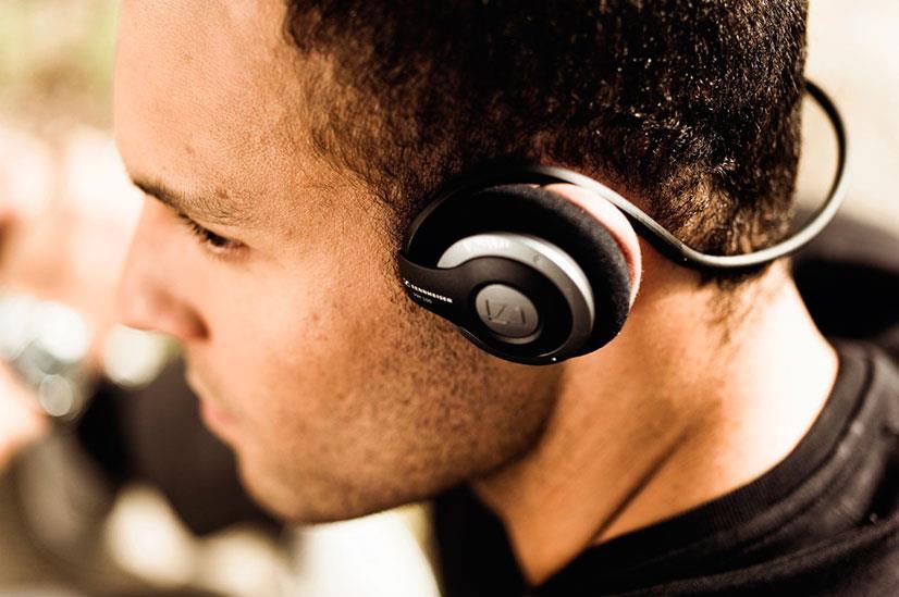 Сейчас в мире огромное разнообразие музыки, которая удовлетворит всевозможные потребности слушателей. И при этом разнообразии хочется прослушивать треки любимых исполнителей в хорошем качестве.