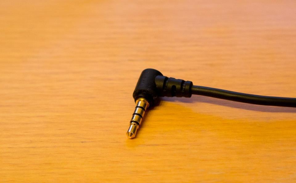 Комбинированный джек наушников с встроенным микрофоном