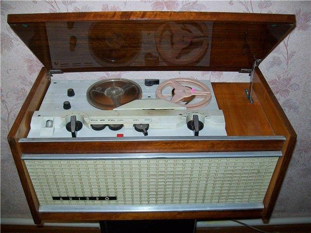 катушечный магнитофон Днипро-14а