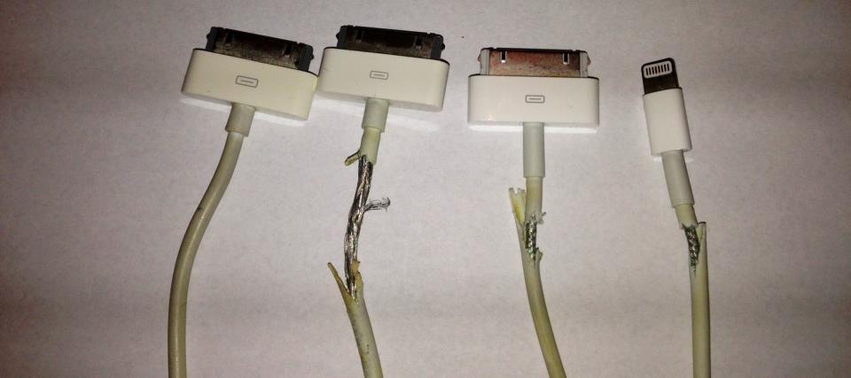 Поврежденные Lightning кабели