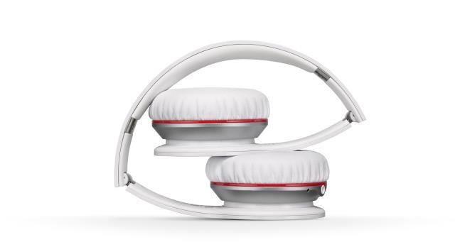 Наушники Monster Beats Wireless удобно складываются для туристического чехла