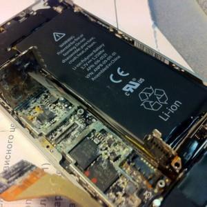 плата iPhone после падение в воду