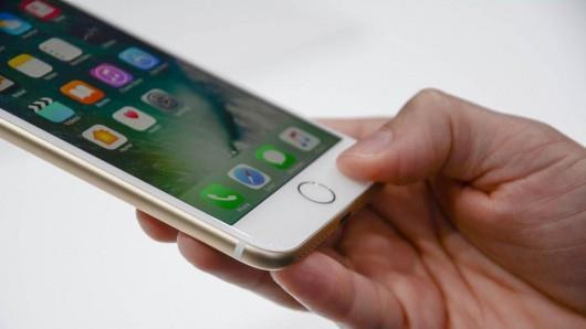 Новый Apple iPhone 7 не имеет разъема для наушников: Что это значит для вашего автомобиля